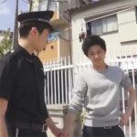 【ゲイ動画】公園のトイレでの露出オナニーが警官に見つかった青年が罪を見逃してもらうため警官にケツマンコを捧げる!