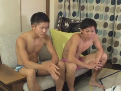 【ゲイ動画】19歳の未成年が友達同士でホモビデオ出演!お互いに恥ずかしい姿を見られながらゴーグルマンの責めにオーガズムを迎えてしまう!