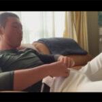 【無修正ゲイ動画】野球部の部活を終えて家に帰ってきた野球ユニの素人男子校生が美マラをしごいてドピュッと射精する!