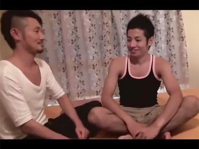 【ゲイ動画】兄と弟になりきってのイメージプレイ!イチャイチャプレイで愛撫し兄役のイケメンが可愛い系の弟役のアナルに挿入する!