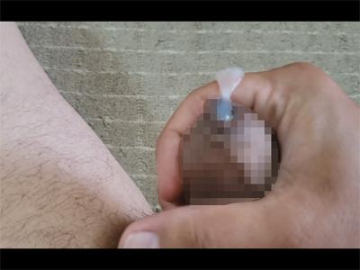 【無修正ゲイ動画】真性包茎の素人が高画質&超接写でオナニーを自撮り!カウパー汁のヌルヌルの感触を楽しみ皮の隙間から漏れる精液!