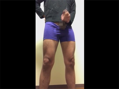 【無修正ゲイ動画】ジャパニーズにしては長めのチンポを立ったままシコシコとシゴき撒き散らし射精でイク素人の自撮り映像!