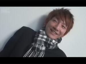 【ゲイ動画】最近まで高校生だったイケメンが愛用していた学ラン姿で登場!チンポは長くて太く口内射精されたり手コキでイカされてしまう!