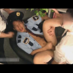 【ゲイ動画】閉館後の図書館の見回りをしていた警備員が職員にレイプされてしまう!イラマチオで即尺させられ口もケツも犯される強姦3P!