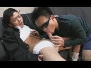 【ゲイ動画】学生の頃を思い出しながら性行為!学ランコスの小柄の爽やか男子がキレイなアナルを愛撫されマラでズコズコ掘られることに!