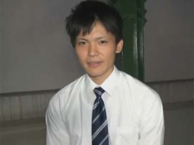 【ゲイ動画】22歳新卒の爽やかサラリーマンが仕事帰りに撮影に参加!服を脱がしてノンケマラをしゃぶり手コキでイカせることに…!