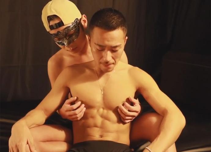 【ゲイ動画】短髪で細マッチョなノンケリーマンを責める!挿入まではウケにリードされるもケツマンにチンポが入ったら腰振りが止まらない!