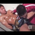 【ゲイ動画】少年のようにかわいい顔なのにバキバキなマッチョの体のボクサーがアナルセックスで男を好きなように犯すことになる!